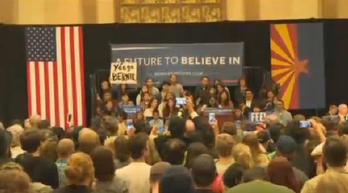 Watch LIVE: Presidential candidate @BernieSanders town hall in #Flagstaff #Vote2016 https://t.co/6ivzAzAsZe https://t.co/IblgFICWoL