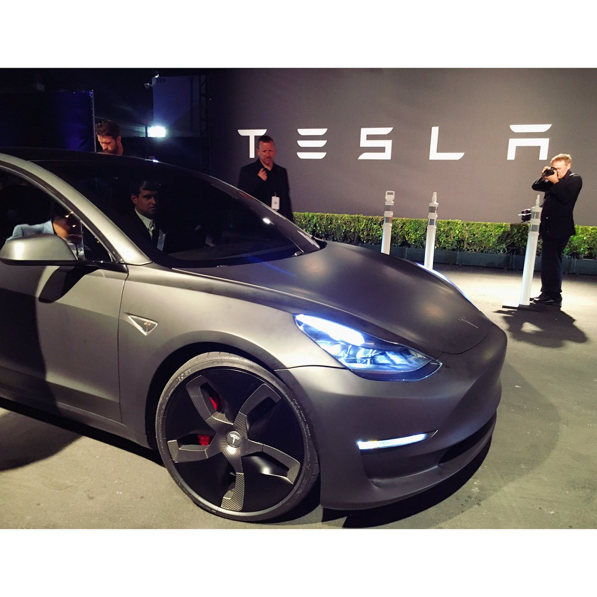 """Never again can anyone say that nobody wants to buy an electric car""-CEO PlugShare #Tesla #TeslaModel3 #Model3 #EVs https://t.co/qsWckO2c65"