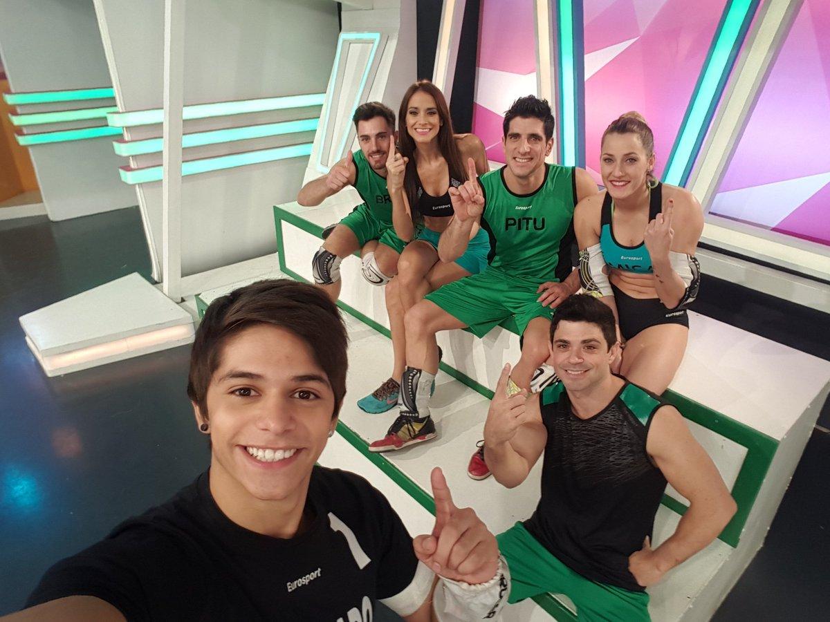Todo el verde pidiendo Vot 1 para @GonzaGravano , gran esfuerzo del equipo para lograr esta excelente semana! https://t.co/TQEqGxOQpO