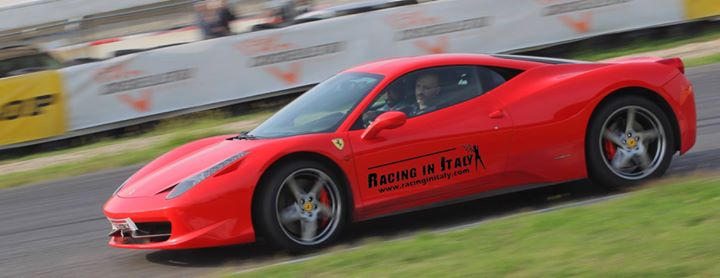 Test Drive a Red @Ferrari Near Milan in association with #AEFestCheck Out https://t.co/iTLnNKThYm#RacingInItaly https://t.co/oWIthdceV8