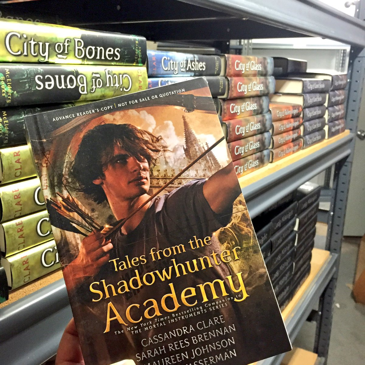An ARC of Tales from the Shadowhunter Academy has arrived! Are you ready for the next @cassieclare release in Nov? https://t.co/GhrqpBsOhX