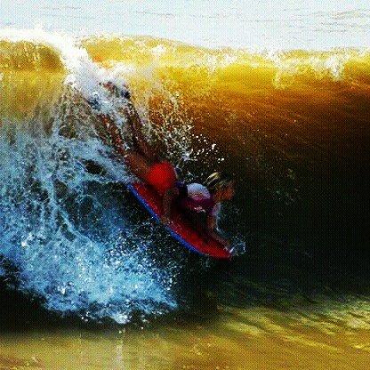 #barradojucu  Surf de Bodyboard  Pico do Cemiterio. ? pic.twitter.com/V3JlEAM5zU