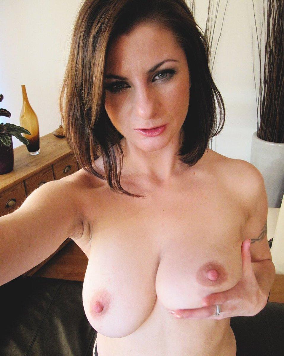 larissa-bootz-naked-risky-anal-sex