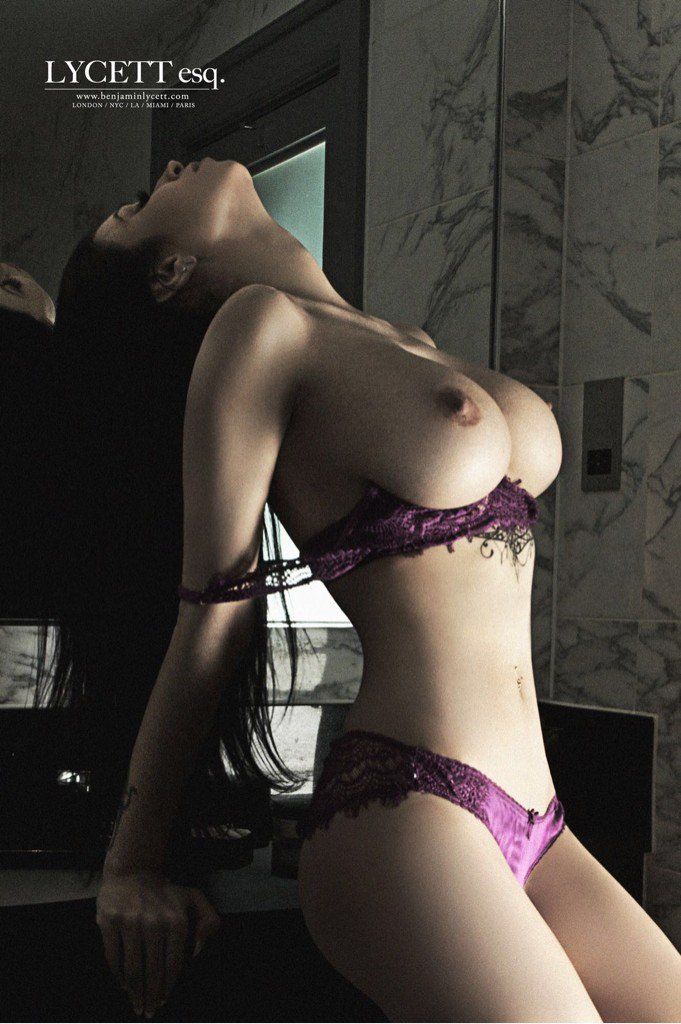 Lilly Roma  - Thinking of twitter @Lillyroma1