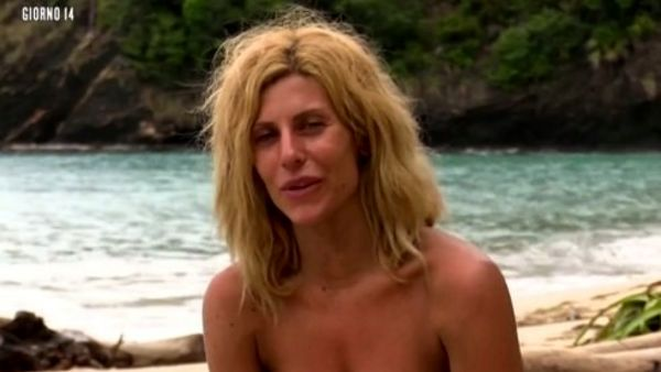 Isola dei famosi, Paola Caruso la protagonista del momento
