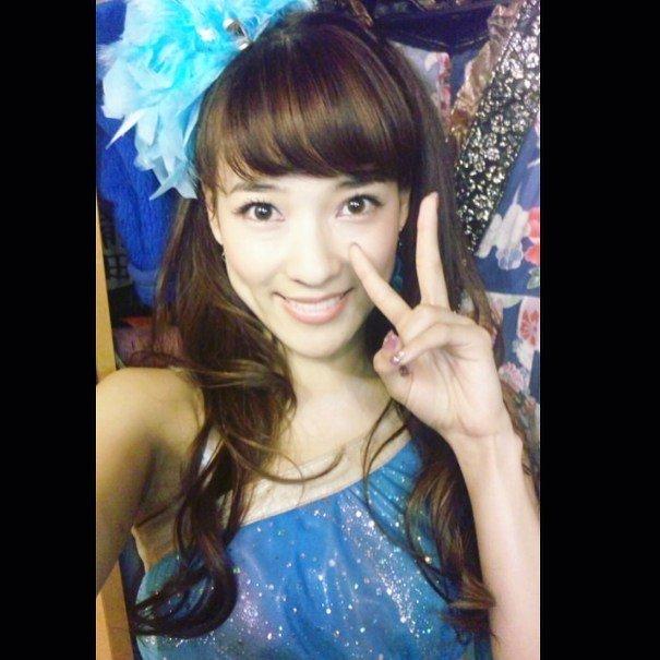 奈津子さんは双子で元アイドル