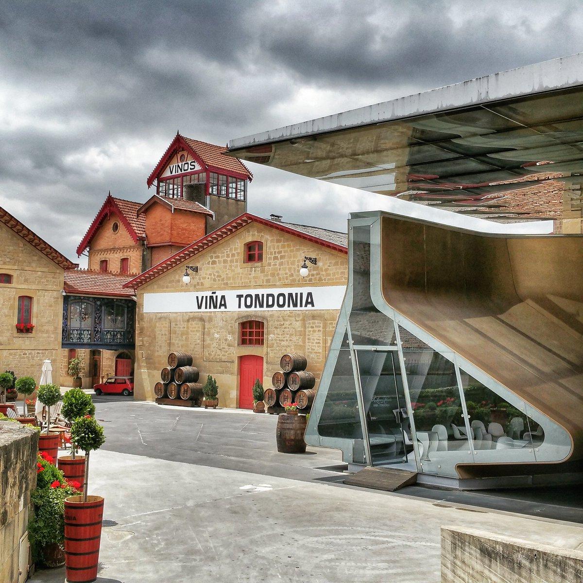Zaha Hadid 1950-2016 Always we'll have a remember in Rioja #wine #viñatondonia #winelover #winetours https://t.co/3F820MPnjc