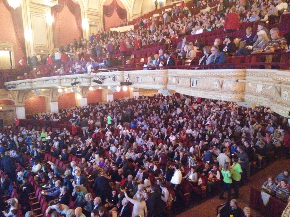 It's a full house for the world premiere of #BELIEVELAND at @playhousesquare! RT if you're here! #CIFF40 https://t.co/BhfpUJZOBB