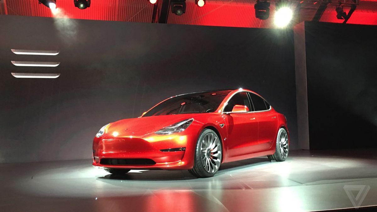 2016 - [Tesla] Model III - Page 3 Ce7a6RAWwAADbM9