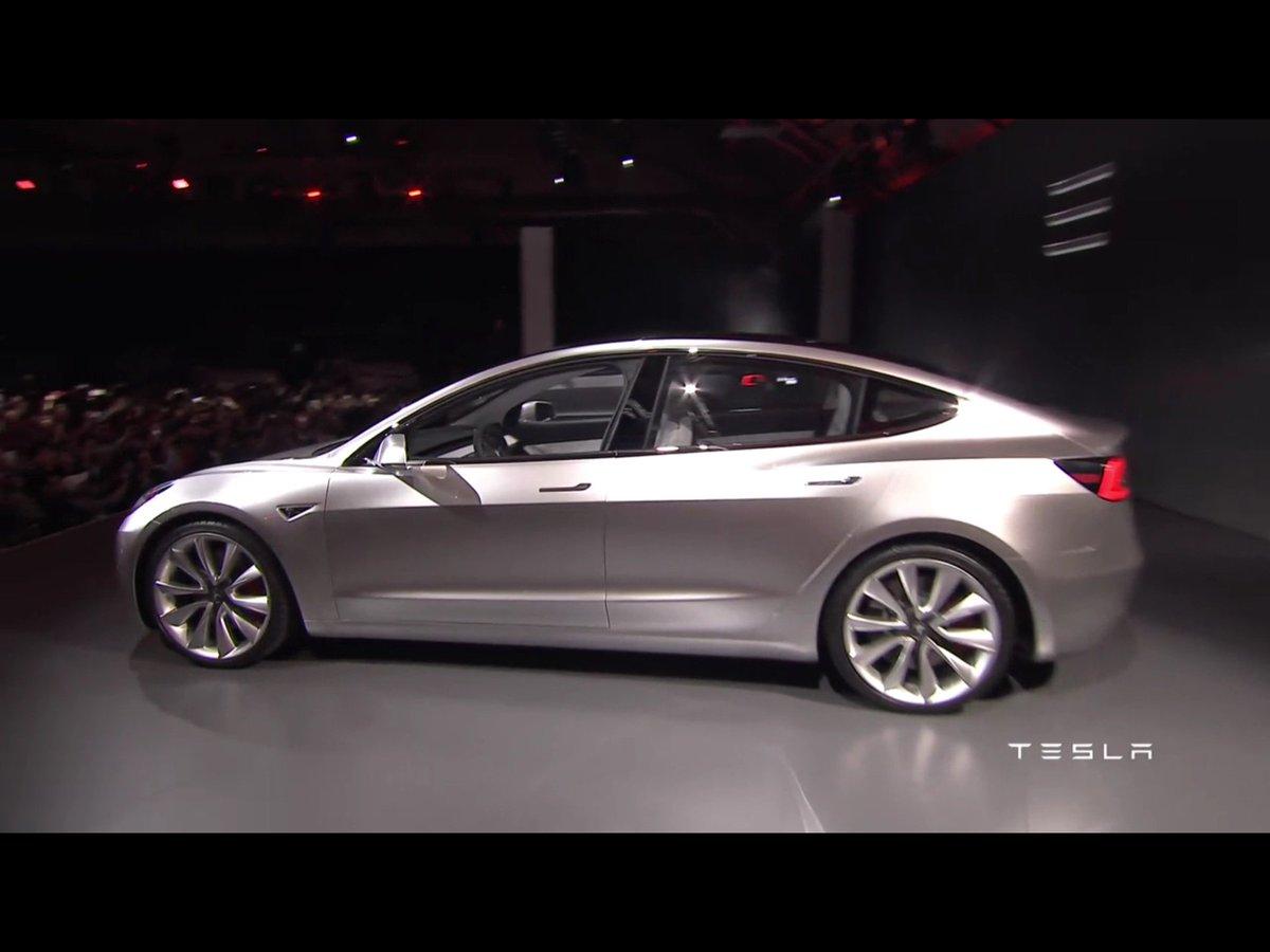 2016 - [Tesla] Model III - Page 3 Ce7bBDxWwAYwHK_