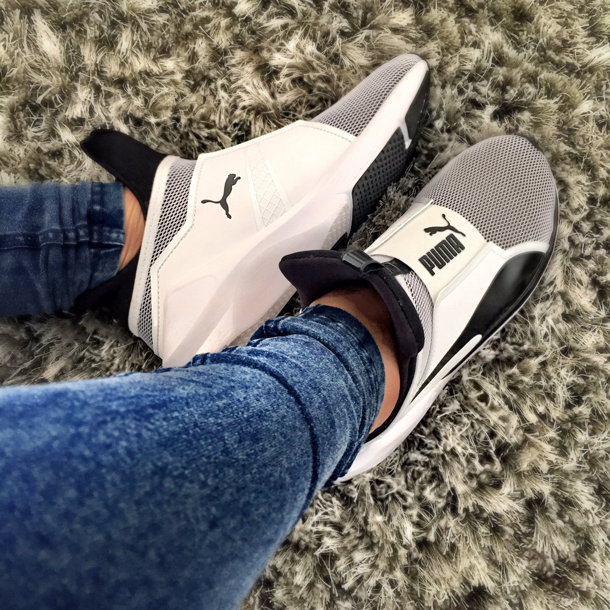 291ad4e1b44  PUMA Fierce by  KylieJenner - are Beyond hot!! In  PUMASouthAfrica stores  today  kyliejenner  ForeverFiercepic.twitter.com Vy9glAvowA