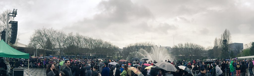 Seattle #feelthebern Rally overflow crowd. Over 45k showed up. Where's the mainstream media? https://t.co/UqzhbLADKF