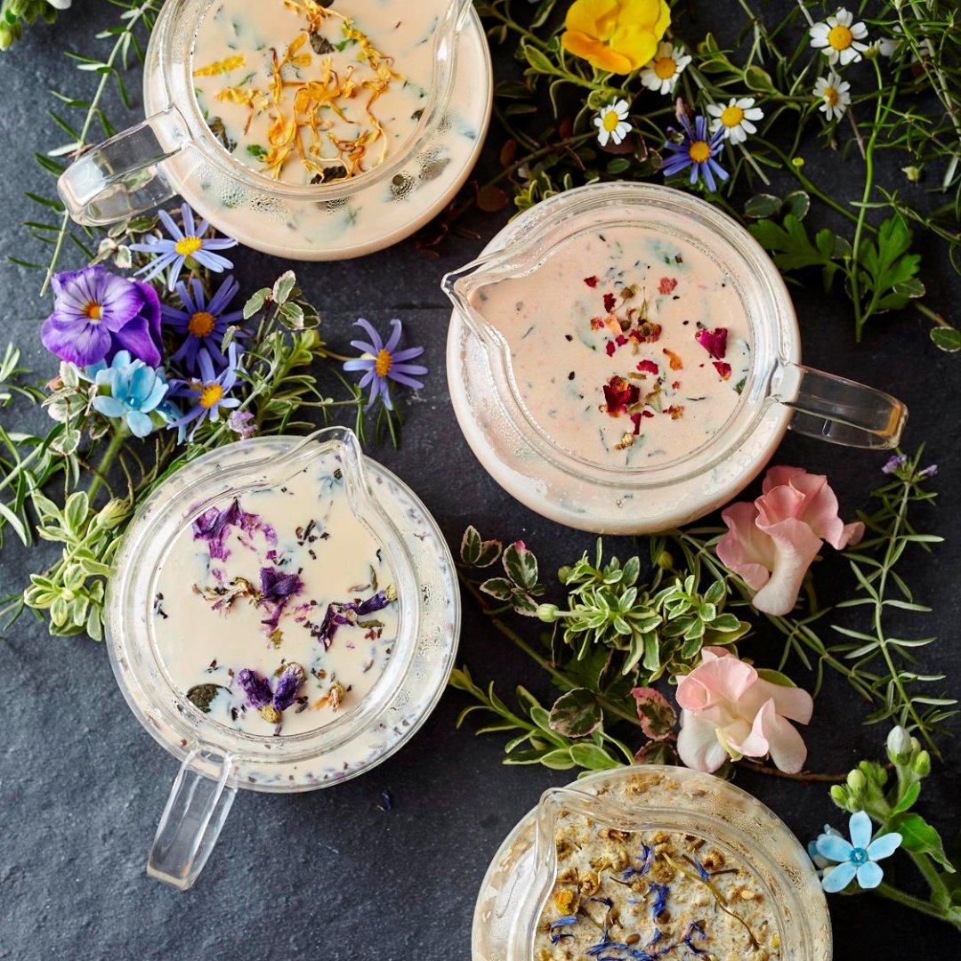 """この春のティースタンドには、ガール気分を盛り上げる""""お花のミルクティー""""が新登場!「フェアリーズティー」でロマンティックなティータイムを過ごしてくださいね♪https://t.co/LBR4PKSLAA #AfternoonTea https://t.co/ZODB4MkRd2"""