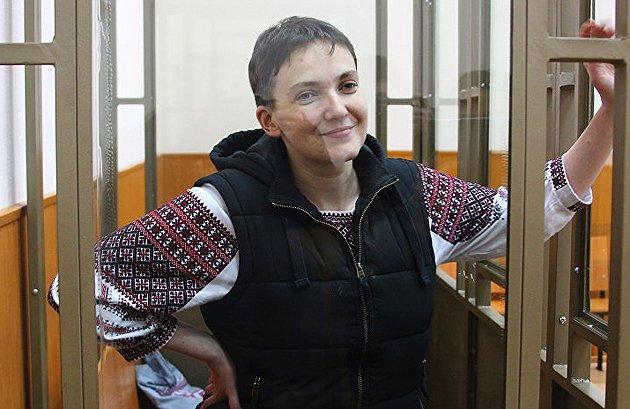 В российский Донецк, где будут зачитывать приговор Савченко, свозят бюджетников и стягивают силовиков