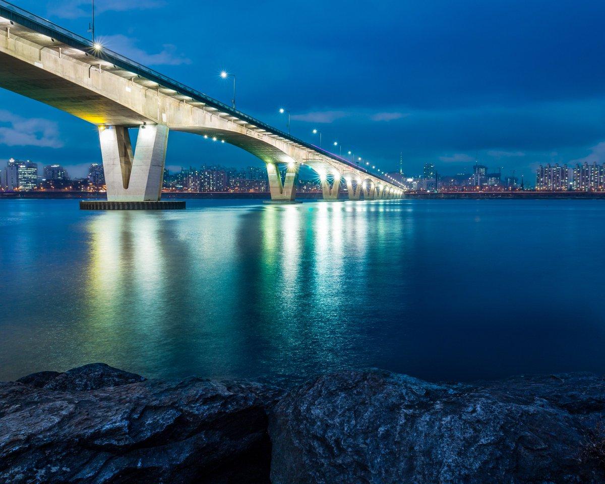 Khalid Al Osaimi Ar Twitter Han River Seoul South Korea الأجواء جميلة على نهر الهان تساعد على المشي وألتقاط الصور يومكم سعيد Https T Co Yljefoxnlr