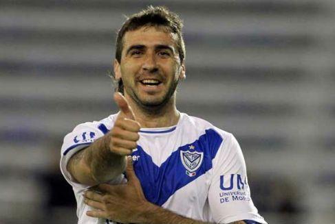 #AFA Así que Martino Convocó a Lautaro Acosta de Lanus... Alguien le avisa que Lucas Pratto es Argentino!!! @afa https://t.co/jv5EhPMIQZ