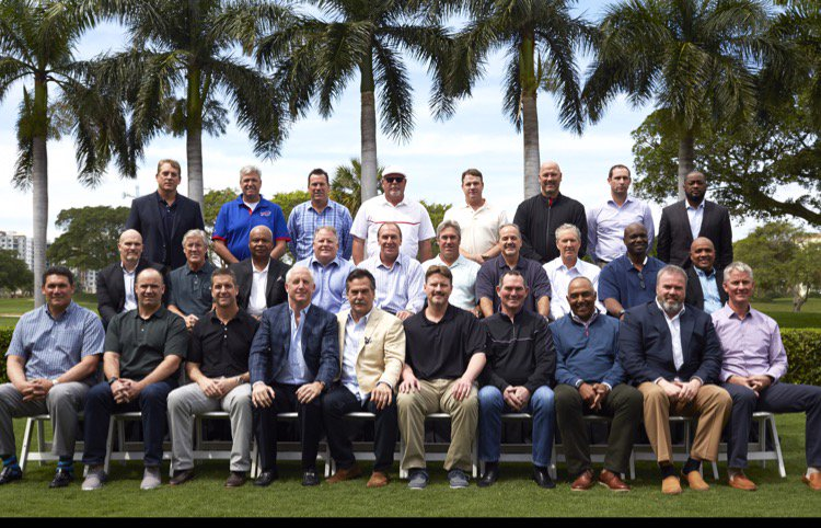 #NFL coaches gathered this morn for annual photo https://t.co/OWZrm9MGEj