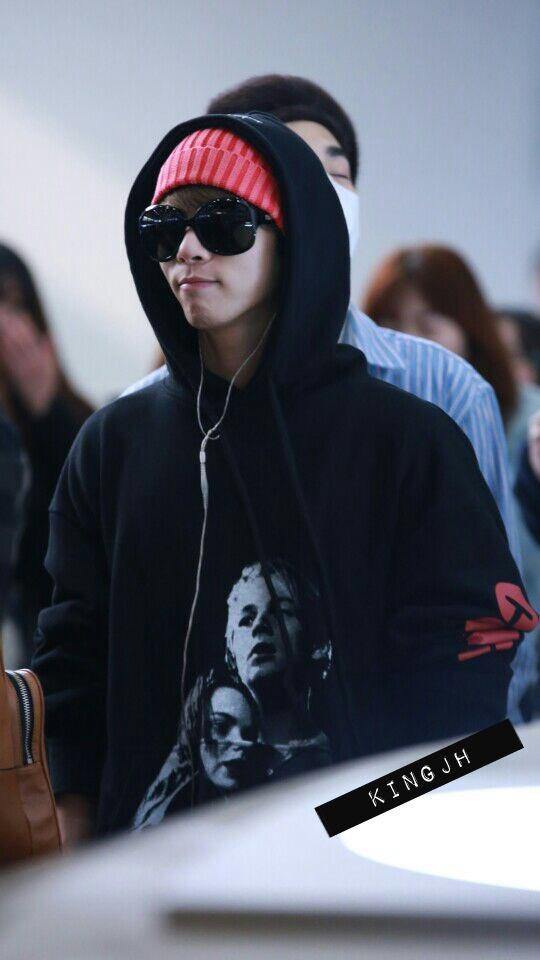 160322 Jonghyun @ Aeropuerto Gimpo {Rumbo a Japón} CeHHcEYVAAADYgB