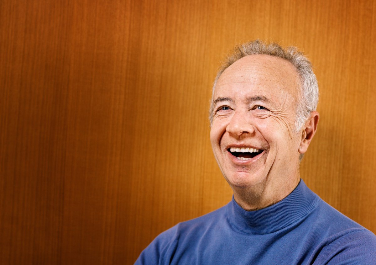 We are saddened by Andy Grove's passing. An @Intel leader, he made the impossible happen. https://t.co/qFKyA53HI5 https://t.co/0nkzPwVgik