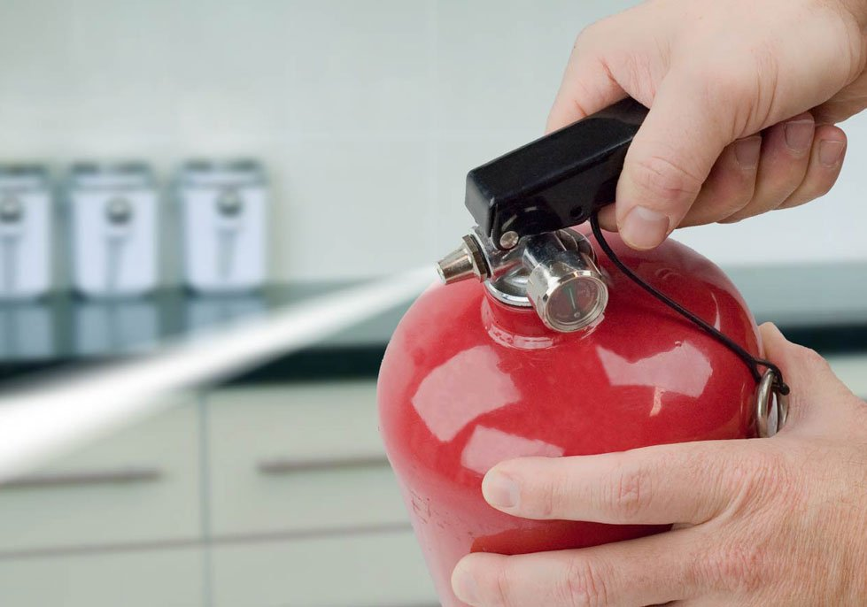 How to select the right fire extinguisher, and how to use it: https://t.co/tUMxg3sFzg via @FamilyFirstAUS