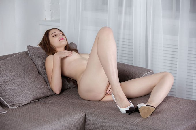 Adorable Brunette Babe Giulia Spreading Her Legs On Couch Camwhoresbay 1