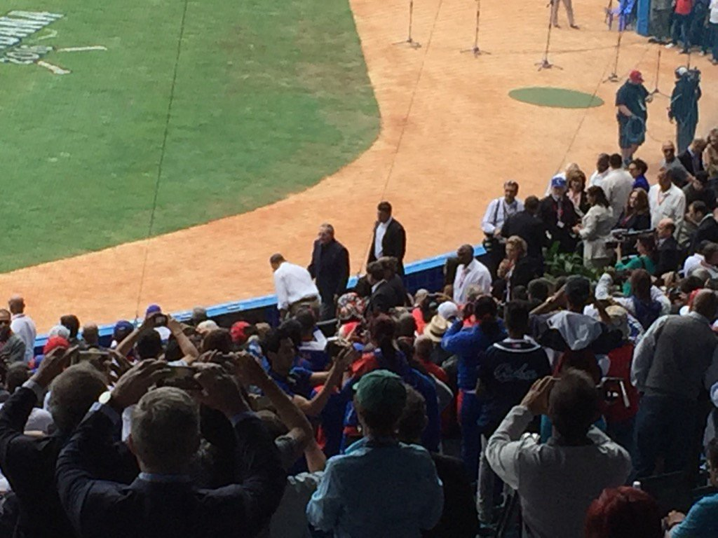 Castro and POTUS enter Havana's baseball stadium to wild cheers from thousands of Cubans here. A powerful moment https://t.co/kjys8mAfqb