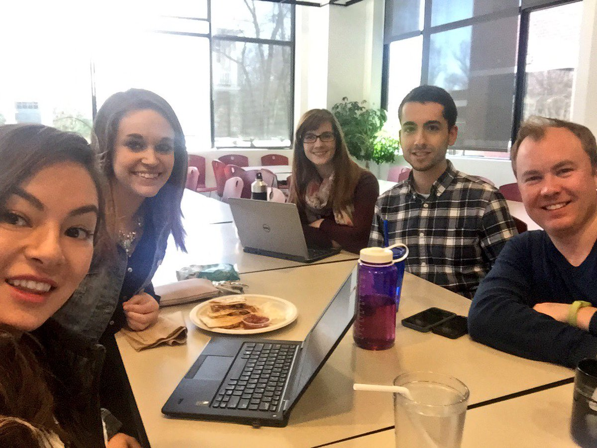 The Framingham @CAinc Marketing team is watching the Marketing Town Hall in Santa Clara via livestream! #lifeatca https://t.co/VTTPTKpG1M