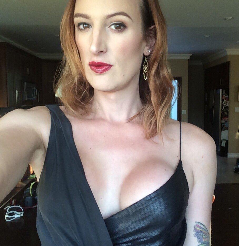 SmartAssJen : Oh look at that, three talented trans women ...