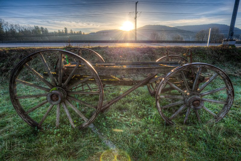 #Antique Wood #Wagon - #Cowichan Valley, Vancouver Island, BC, #Canada #photography #farm #sunrise #sunburst https://t.co/D1MGLf3oii