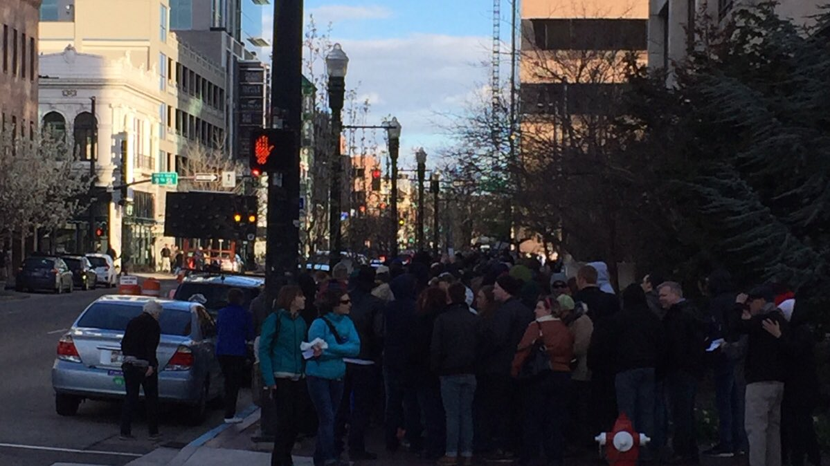 @cenkuygur Boise ID democratic caucus is down 2main streets backed up 9th-13th #IdahoCaucus #Bernie2016 #democrats https://t.co/21dM1qnvKH