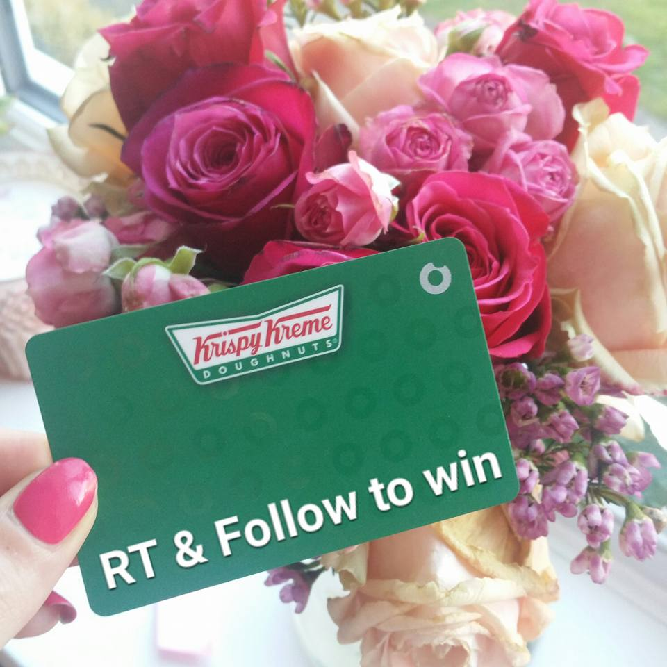 For the chance to #win a @krispykremeUK free doughnut card FOLLOW & RT this tweet!