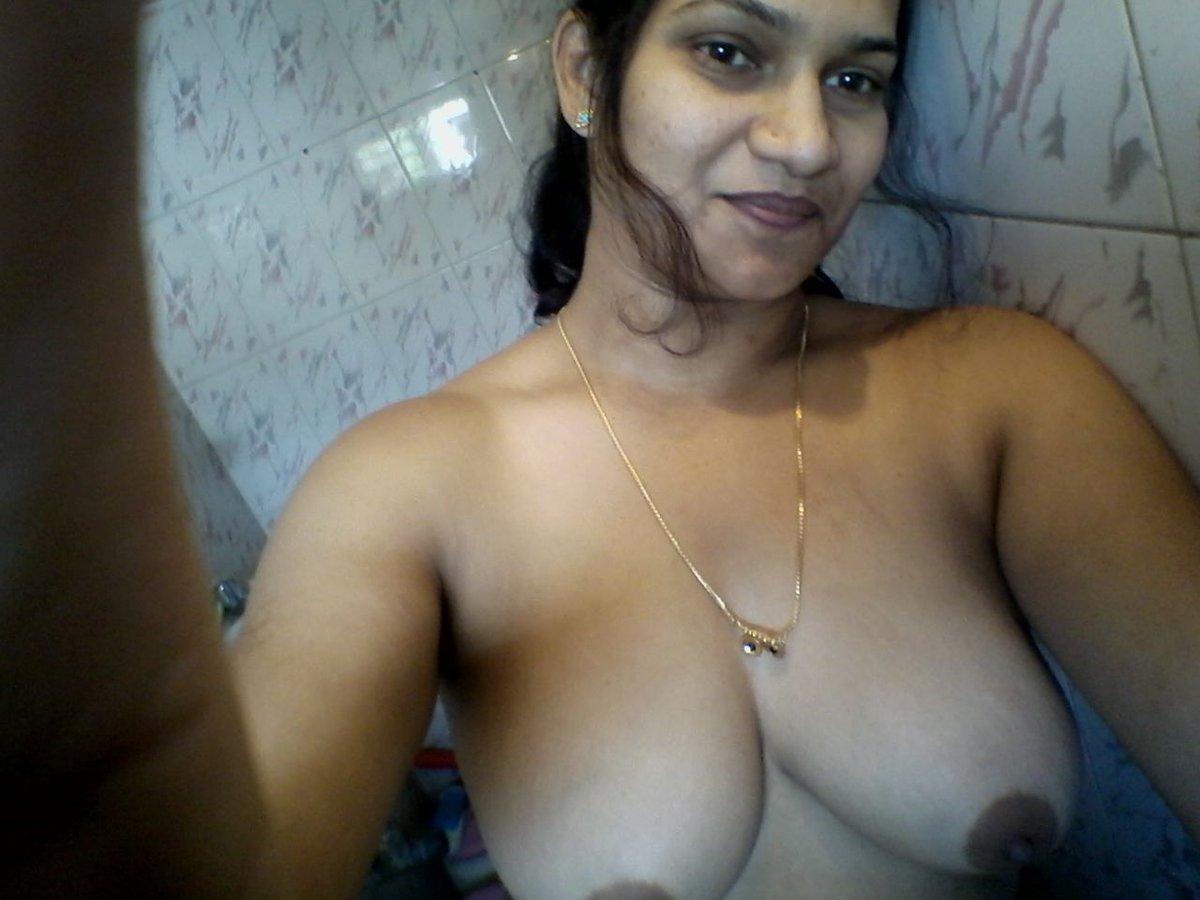 Nude Selfie 4190