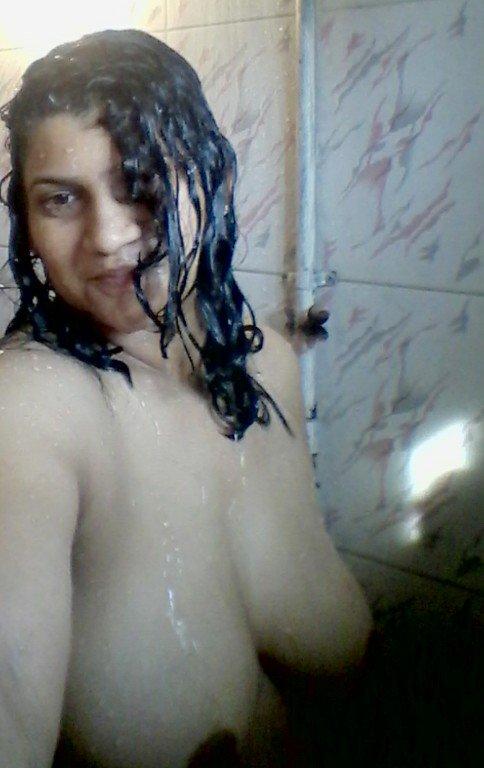 Nude Selfie 4202