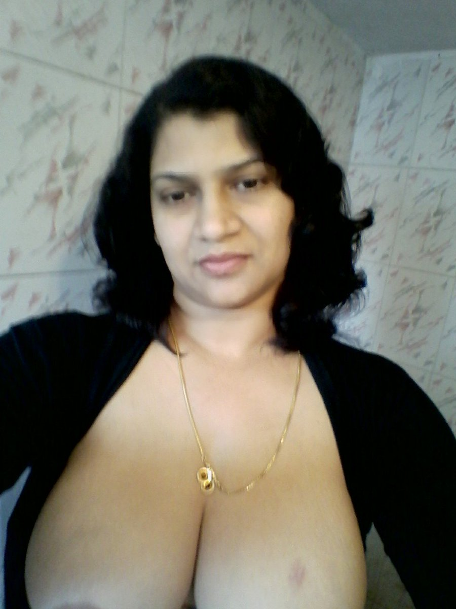 Nude Selfie 4194