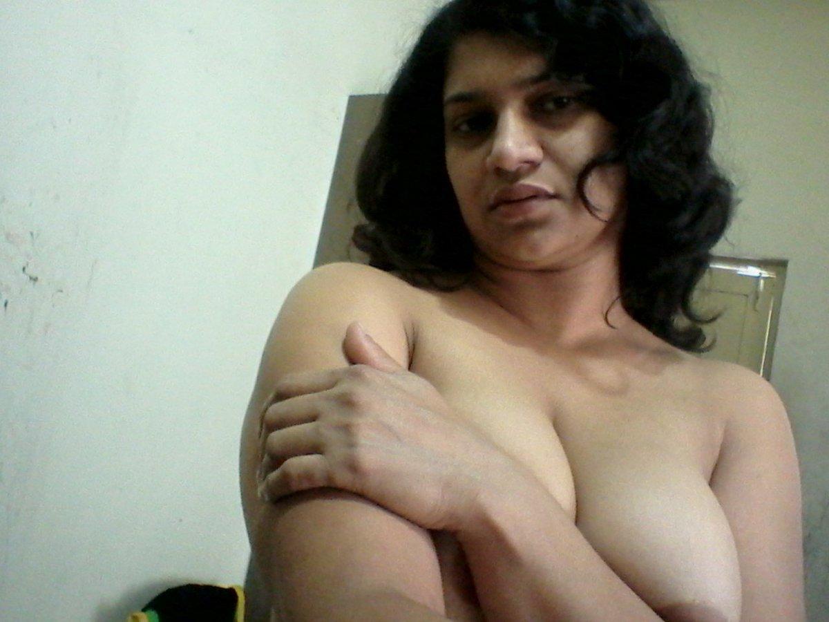 Nude Selfie 4195