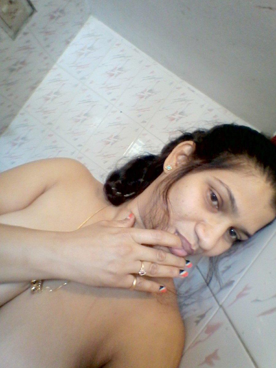 Nude Selfie 4193