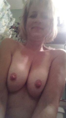 Nude Selfie 4216