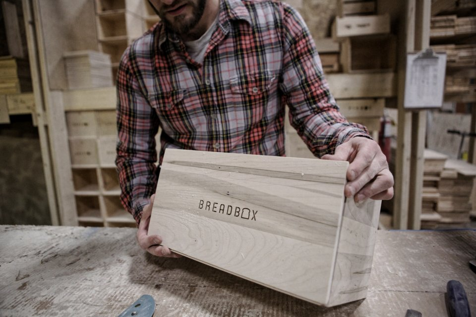ON THE BLOG - How this beautiful box is made from scratch. https://t.co/yiMCMy7XzD https://t.co/YhwFKzLnvu