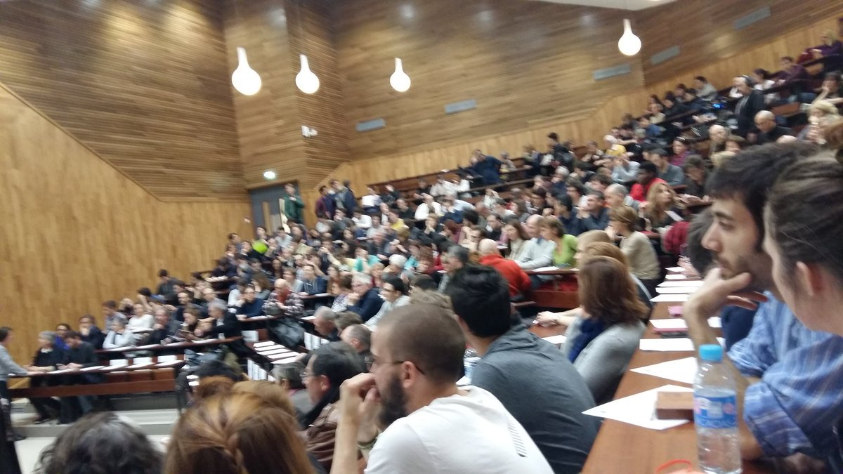 L'amphi se remplit! https://t.co/YzxmemBgY4