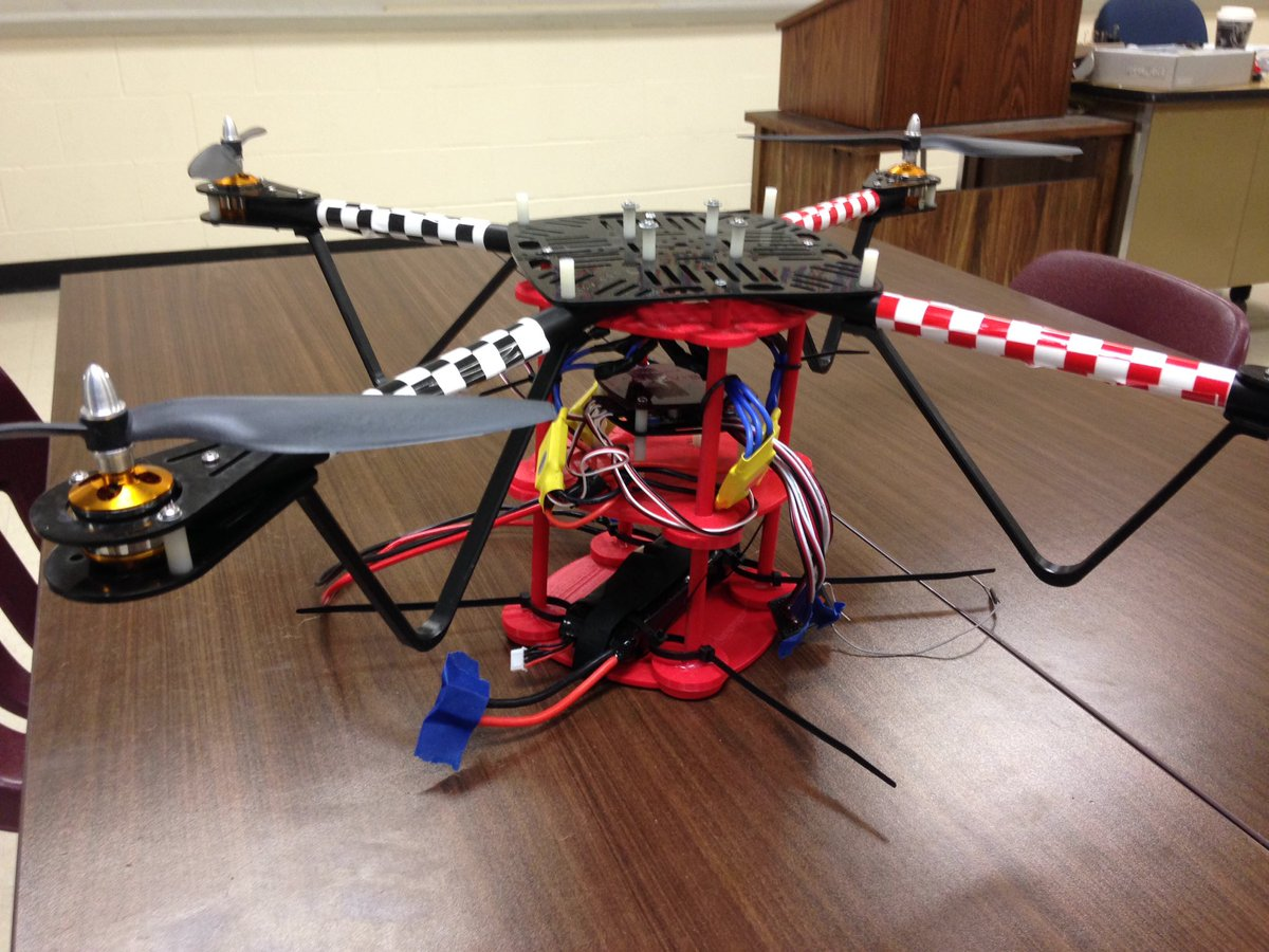 Bench testing of a custom, 3D printed quad copter chassis: increased stability from lower center of mass. #unionrxi https://t.co/OVfmjgsSNi