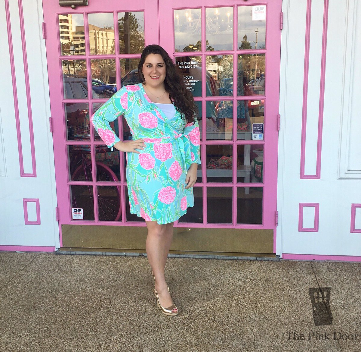aa74d834e5547a A Lilly wrap dress? YES PLEASE. The Meridan Wrap dress is perfect for  traveling, dinner or Easter! #LillyPulitzerpic.twitter.com/TiKP983rL6
