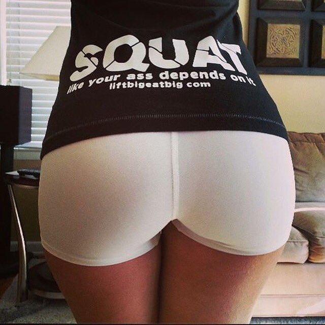 Nice round tight ass foto
