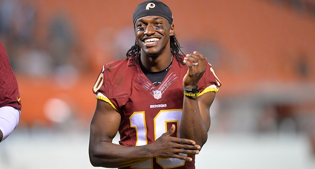 It's official: Robert Griffin III has signed with the Cleveland Browns https://t.co/zZw2e2OV5c https://t.co/YTNwI4pWVG