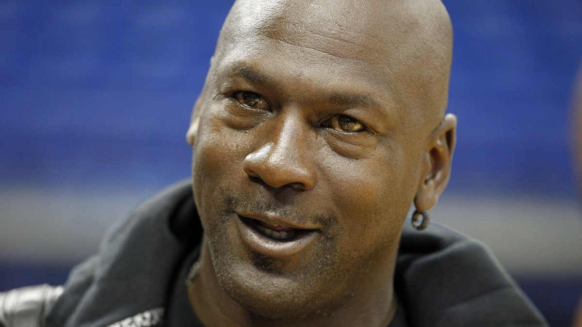 8a3342318f6 Reddit rumors circulate about michael jordan s stingy tipping habits ...