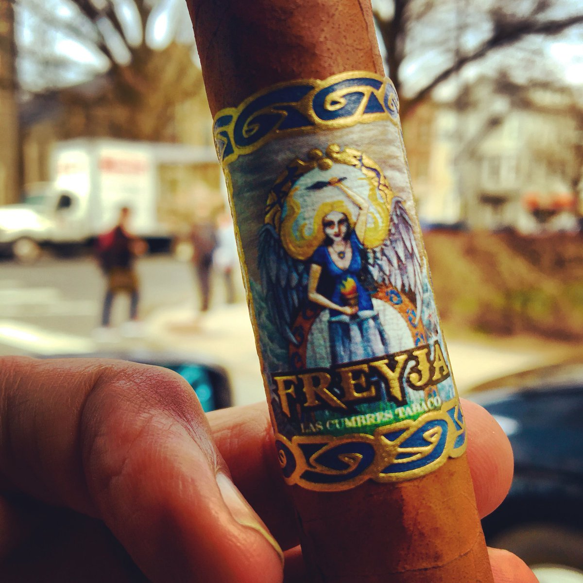 Celebrating the creator of Freyja @emmasenorial Birthday enjoying one on a beautiful day