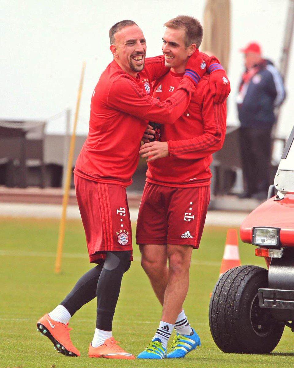 [7] [Mittelfeld] Franck #Ribéry  - Page 24 CeVcaDhWAAAPRxN