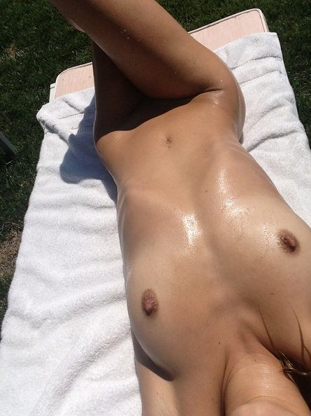 Allegra Carpenter Naked Selfie