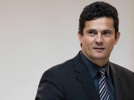 Todos os Juízes do Brasil estão com ele! #MoroLiderMundial https://t.co/poLLrrPqRF