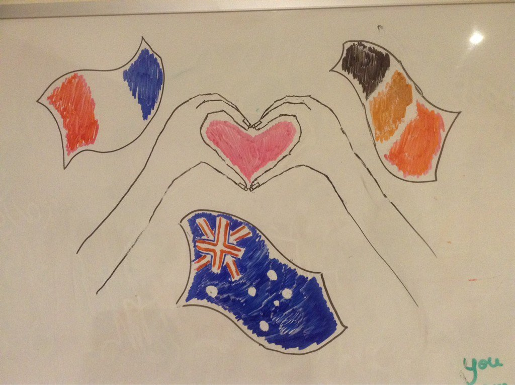 My 12yo daughter did this drawing in response to #BrusselsAttacks . Feel free to use it, as I have for my avi pic. https://t.co/1ykW1yX8Fj