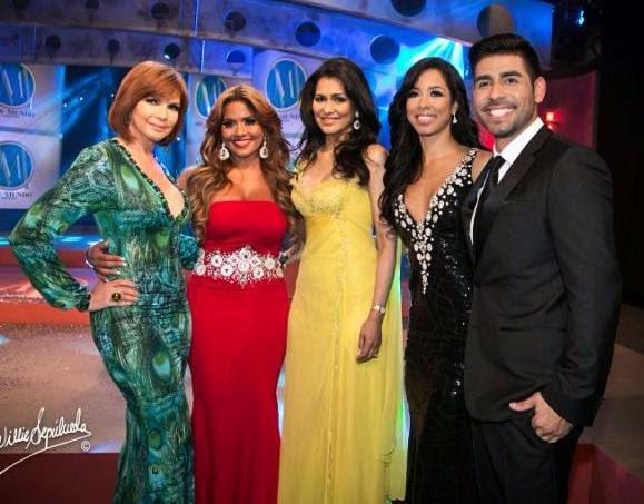 @ambarmusical  jurado de lujo en Miss Mundo Puerto Rico 2016 https://t.co/4MEUYUhTKM https://t.co/Zl1EfgjJ91